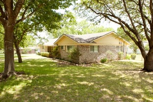 11801 Spring Hill Dr. Austin, Texas 78753 North Austin Single Family Home with Huge Yard.